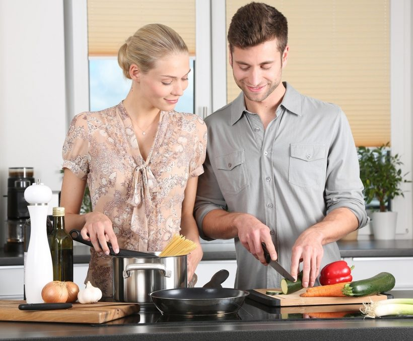 Couple diet en cuisine